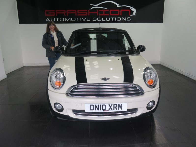 Mrs Abell – Mini 1.6 Cooper Convertible – Goole